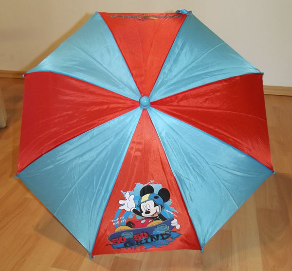 Detský dáždnik Mickey na skatu